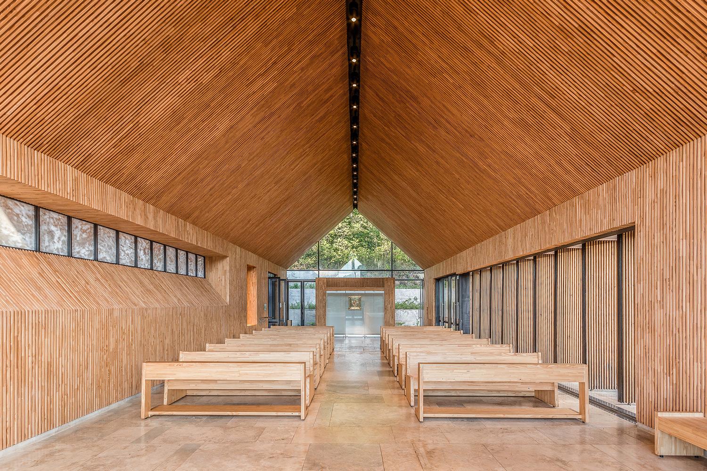 Saint Anne Chapel / Estudio Cella (28)