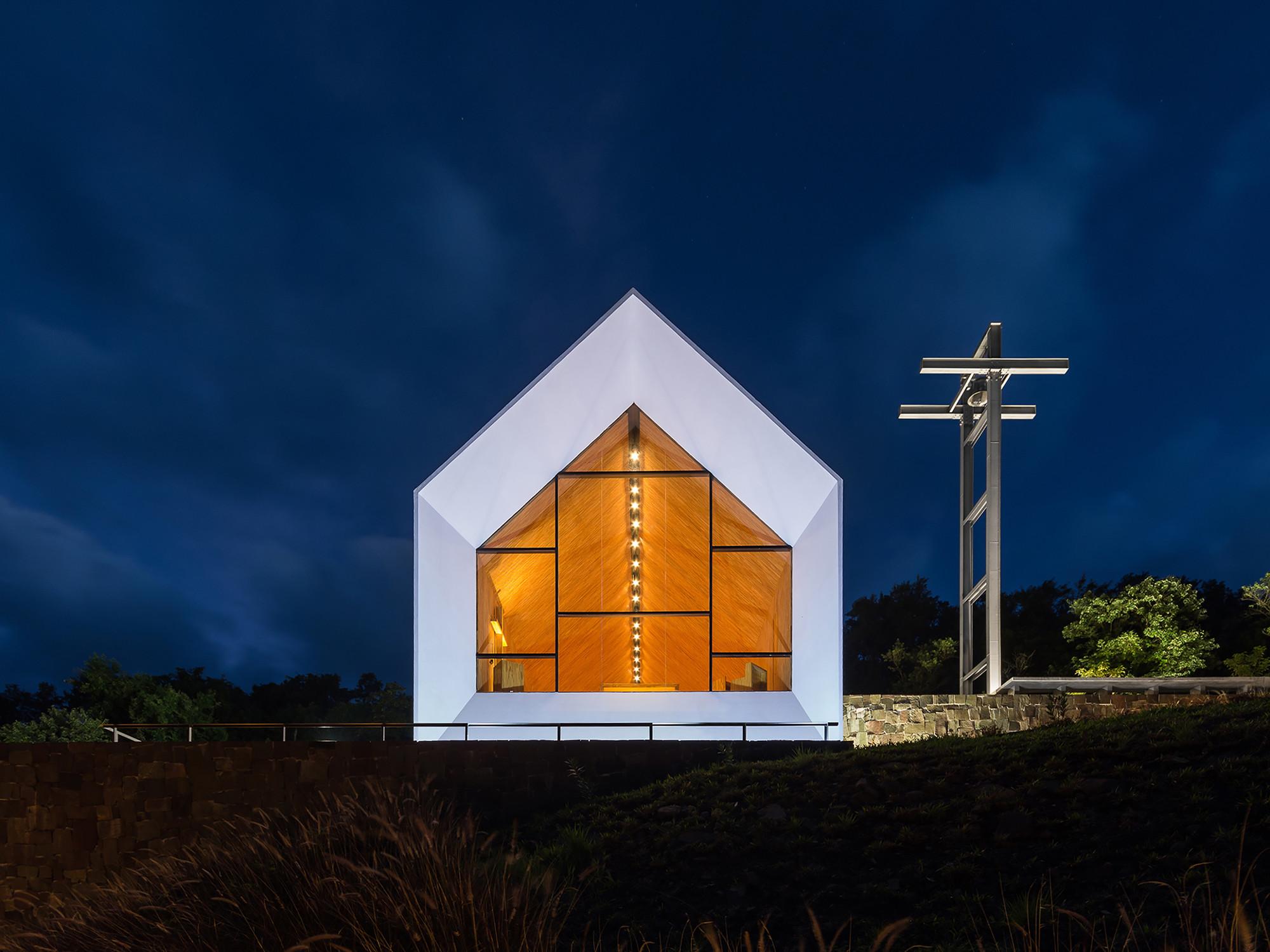 Saint Anne Chapel / Estudio Cella (10)