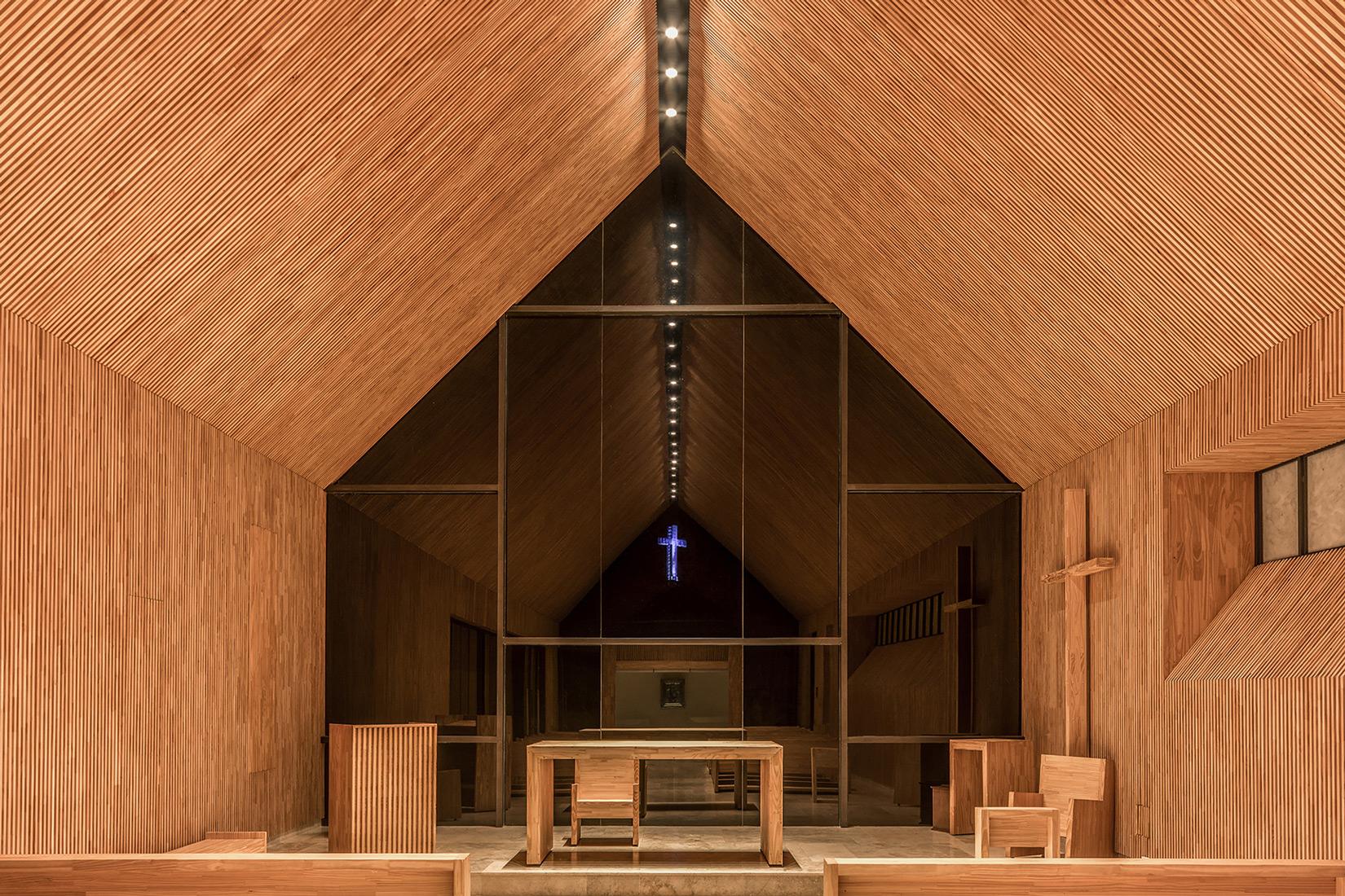 Saint Anne Chapel / Estudio Cella (19)