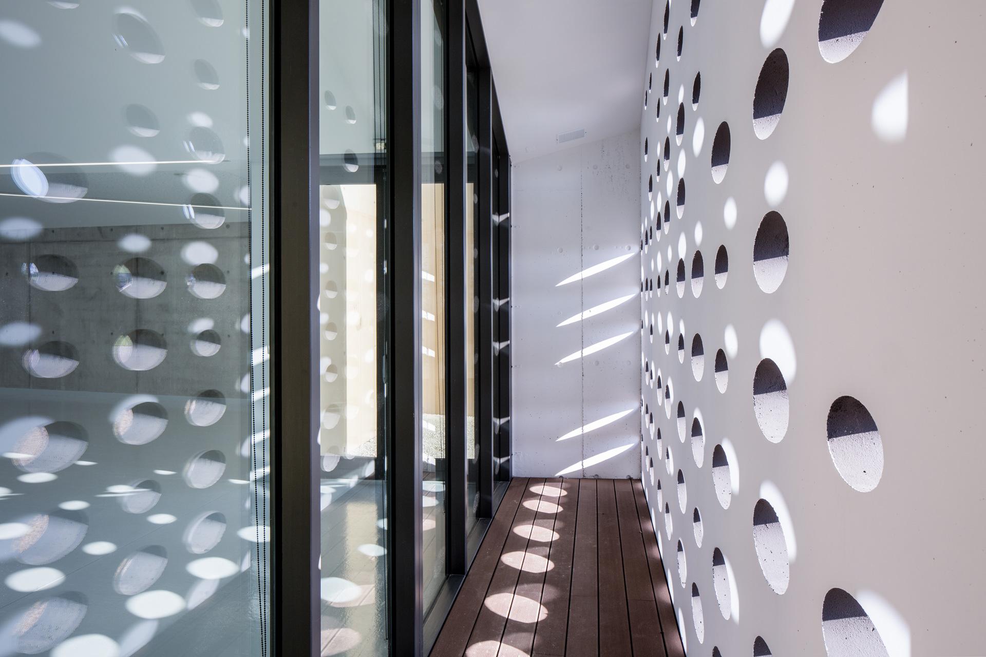 Salle Festive Succieu / Guillaume Girod Architecture