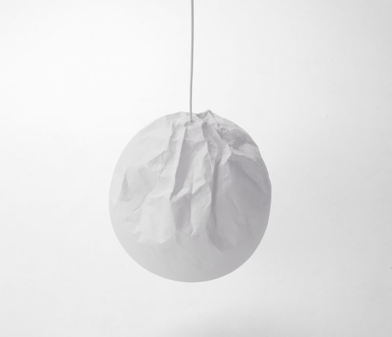 Semi-Wrinkle Washi Lamp / Nendo