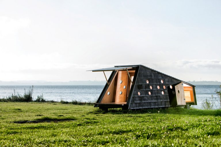 Shelters / Lumo Architects