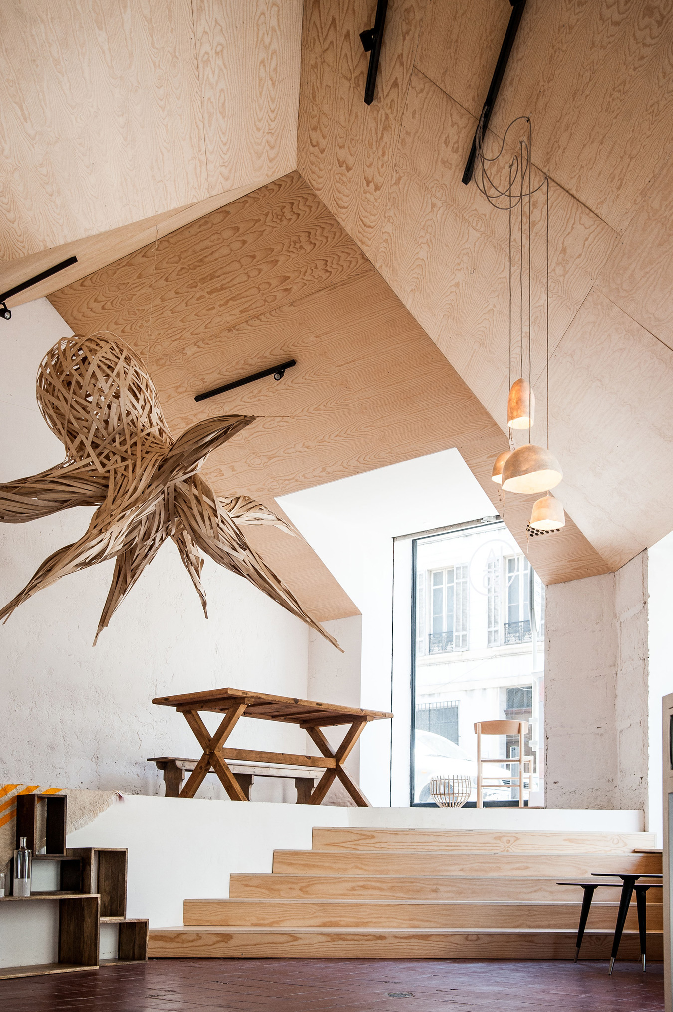 Shop and Exhibition Space in Marseille / Atelier M3a Architectes (7)