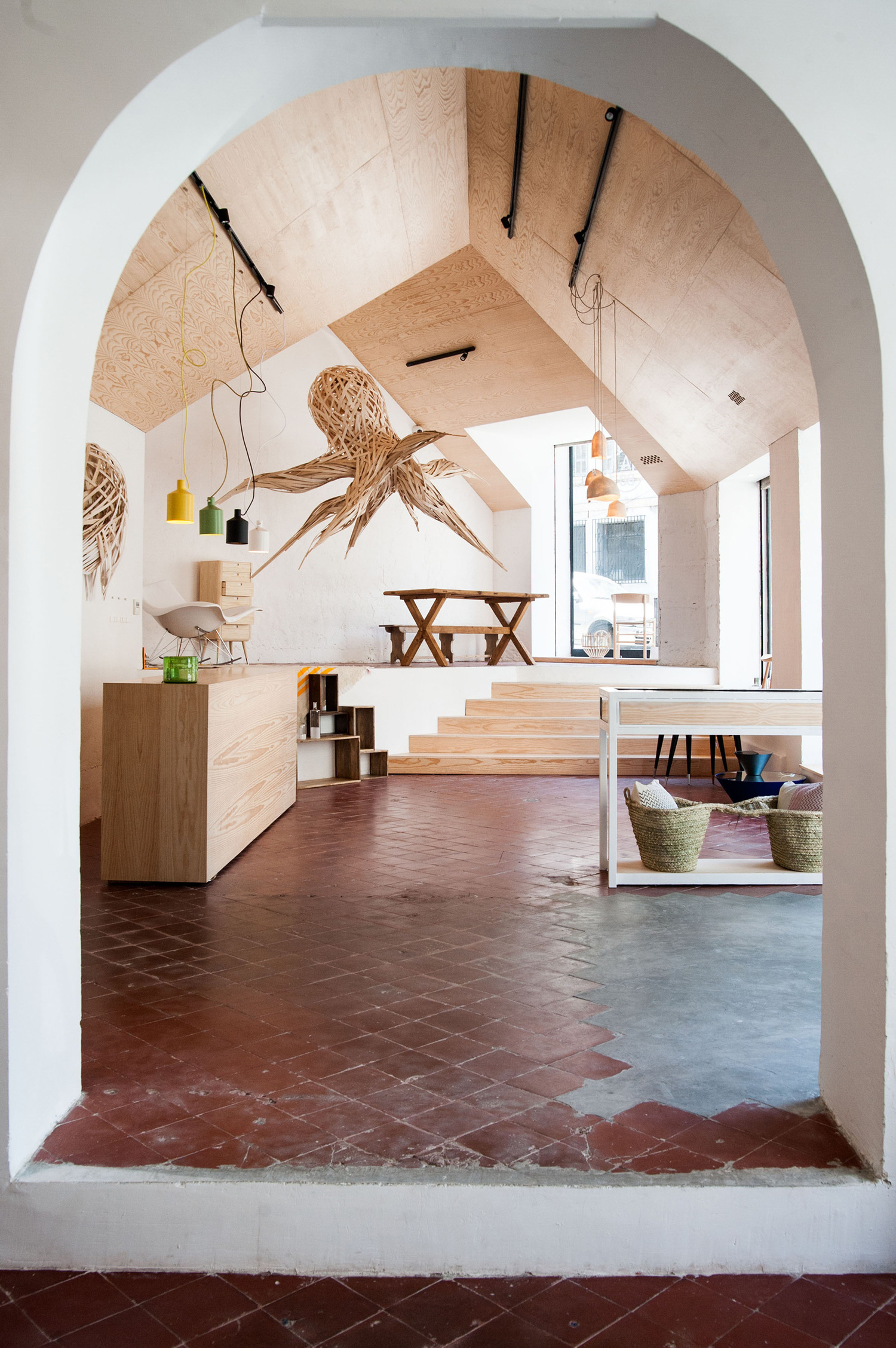Shop and Exhibition Space in Marseille / Atelier M3a Architectes (6)