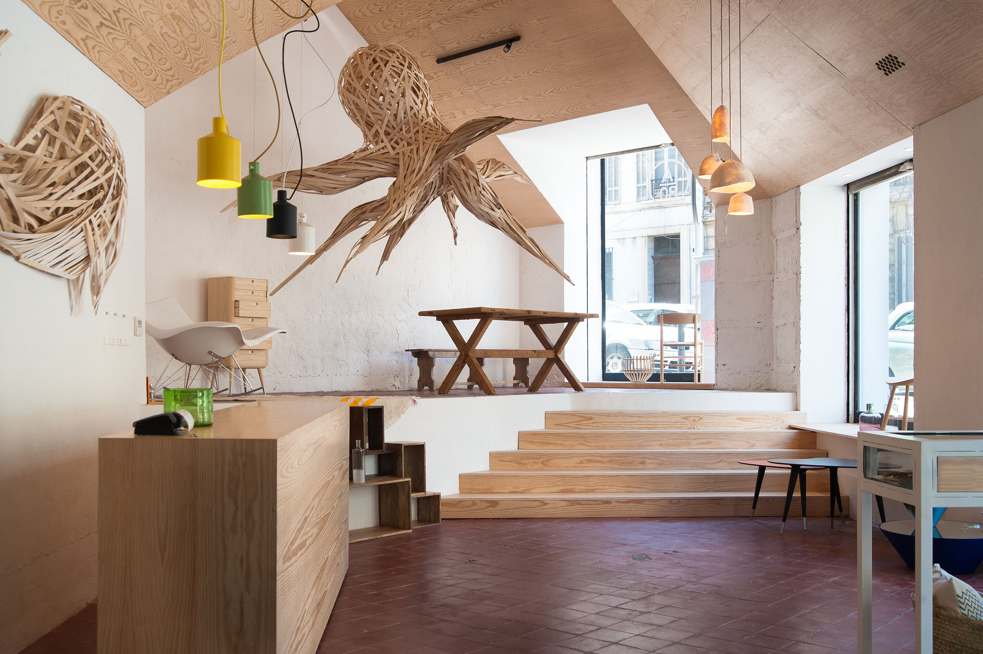 Shop and Exhibition Space in Marseille / Atelier M3a Architectes (10)