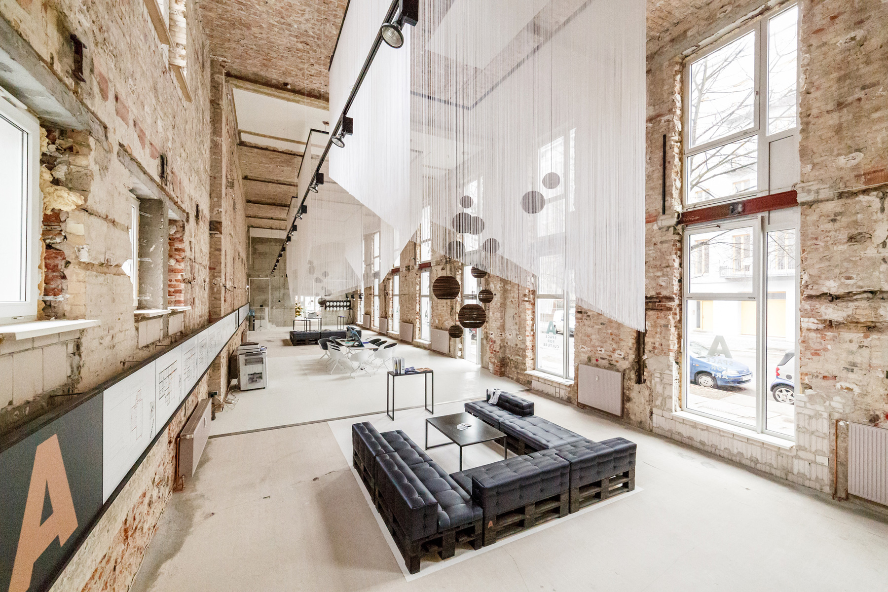 Space - Temporary Show / Plajer & Franz Studio (18)