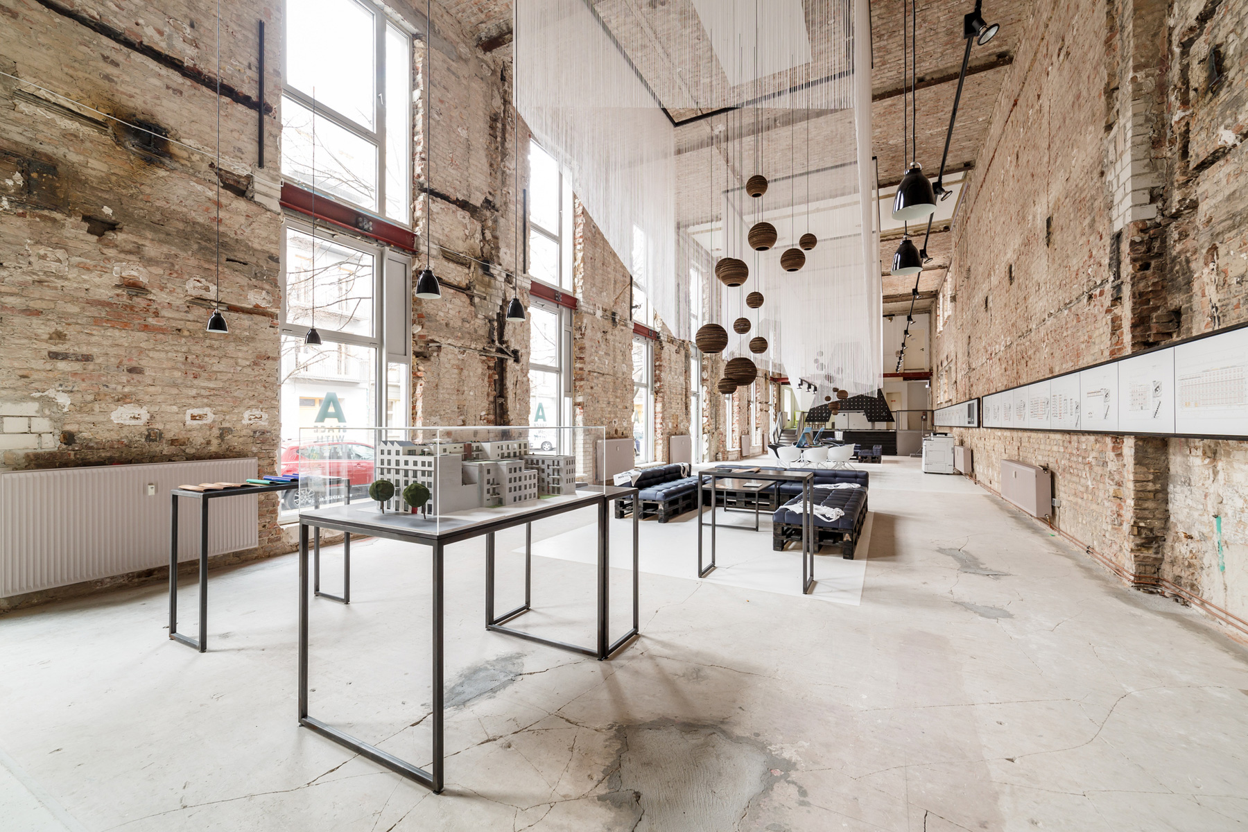 Space - Temporary Show / Plajer & Franz Studio (16)