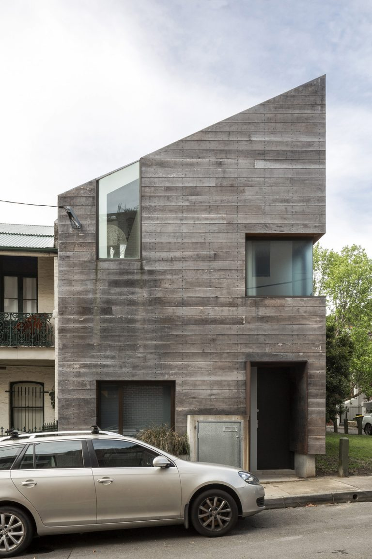 Stirling House / Mac-Interactive Architects