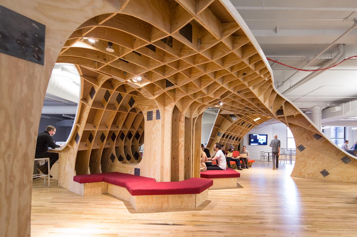 Superdesk-Clive_Wilkinson_Architects-4.jpg