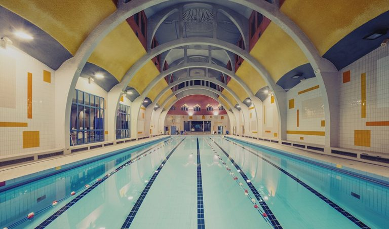 Swimming Pool / Franck Bohbot