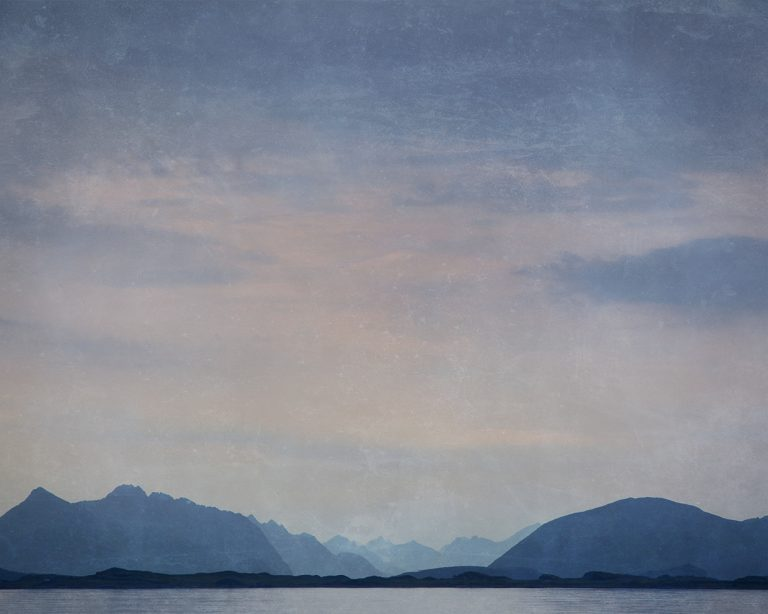 The Blue Light / Bjørg-Elise Tuppen