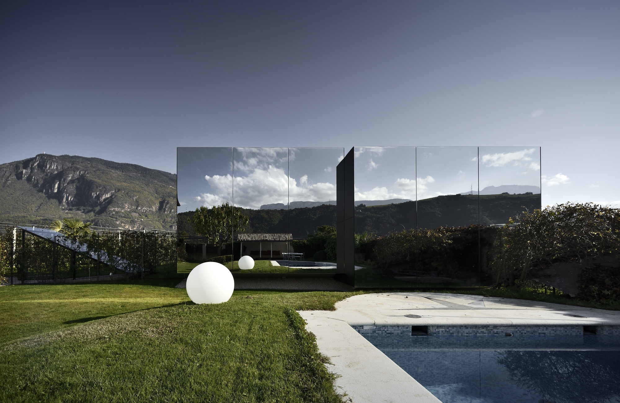 The Mirror Houses / Peter Pichler Architecture (7)