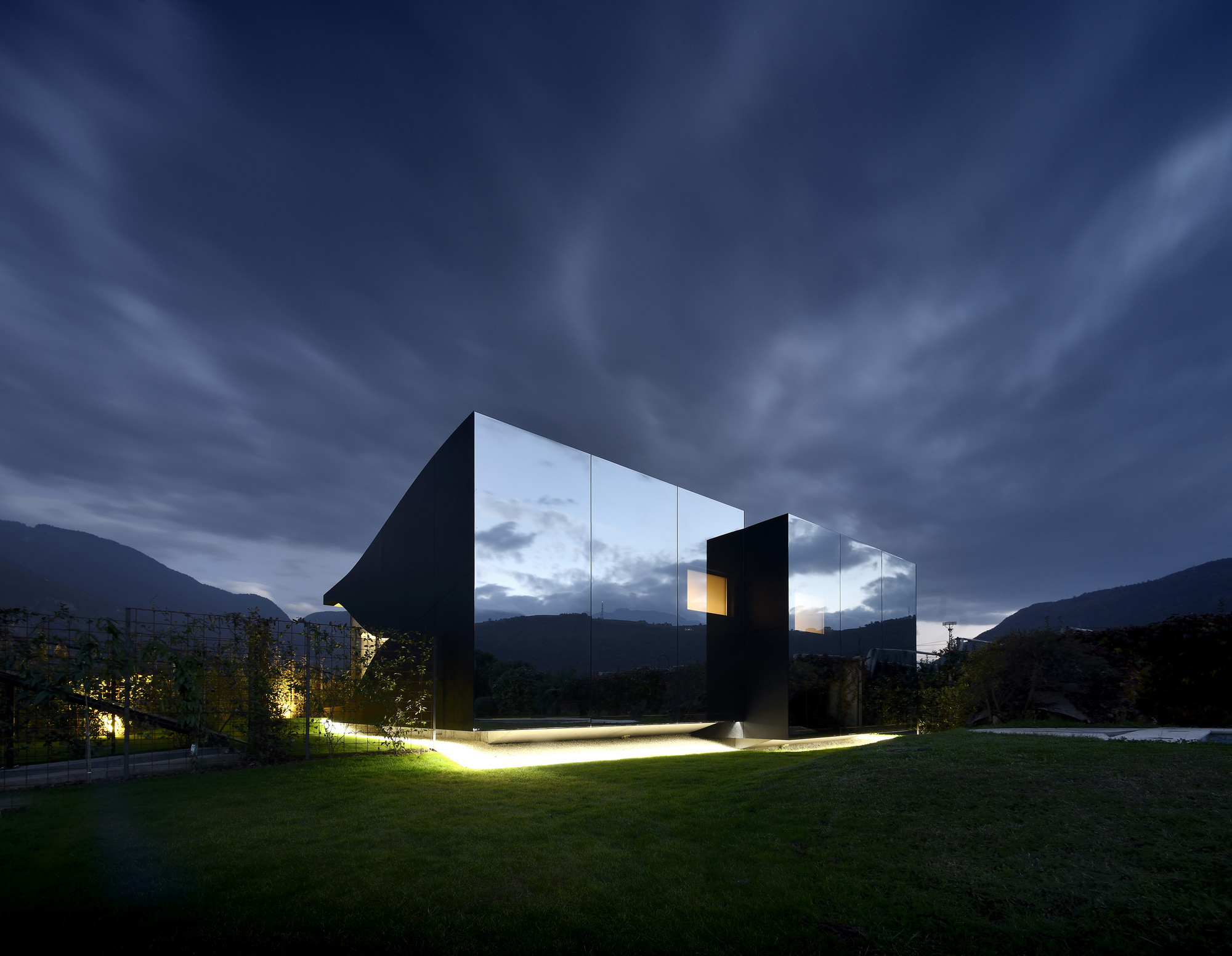 The Mirror Houses / Peter Pichler Architecture (4)