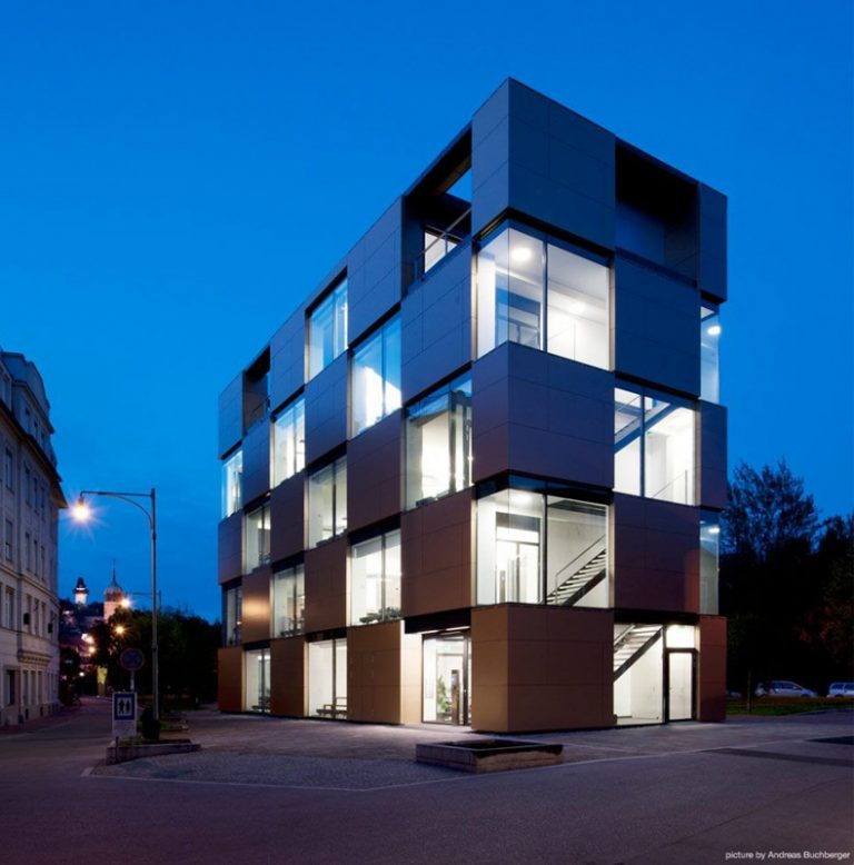 NIK Building / Pucher et Bramberger