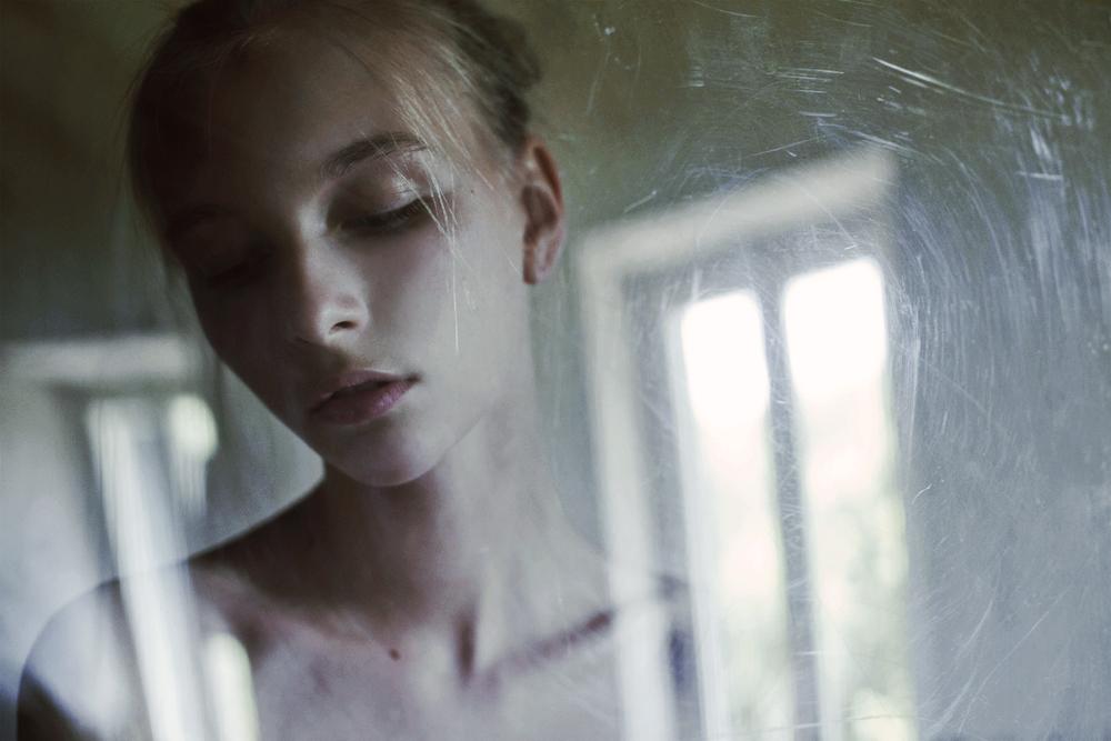 Through The Glass 1 / Marta Bevacqua (3)