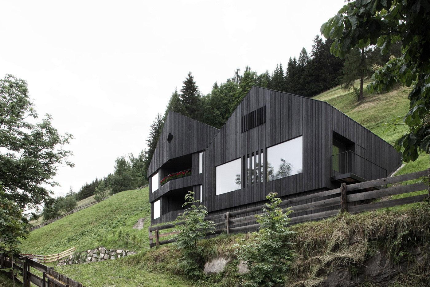Wohnhaus Pliscia 13 / Pedevilla Architekten