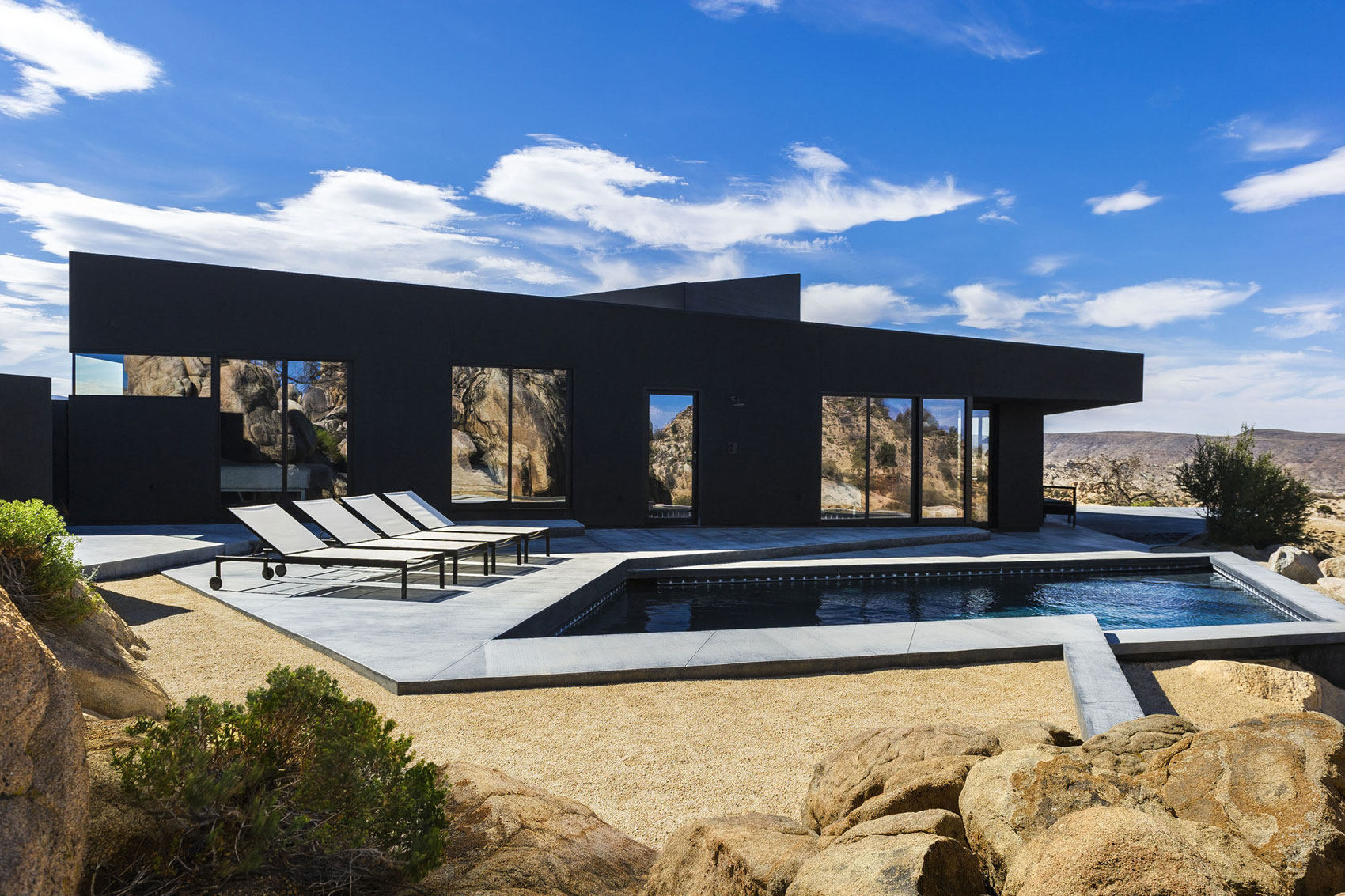 Yucca Valley House 3 / Oller Pejic Architecture (19)