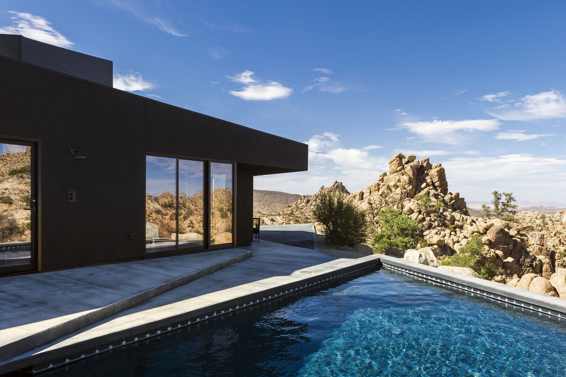 Yucca Valley House 3 / Oller Pejic Architecture (17)