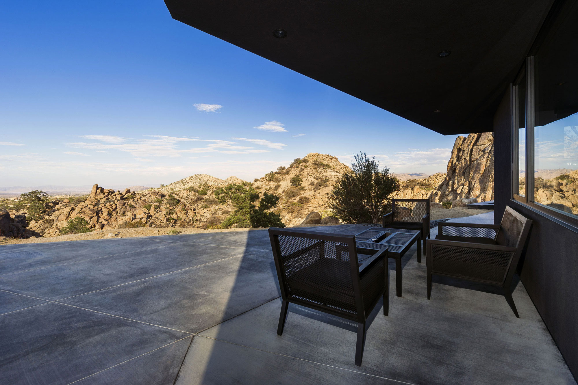 Yucca Valley House 3 / Oller Pejic Architecture (14)