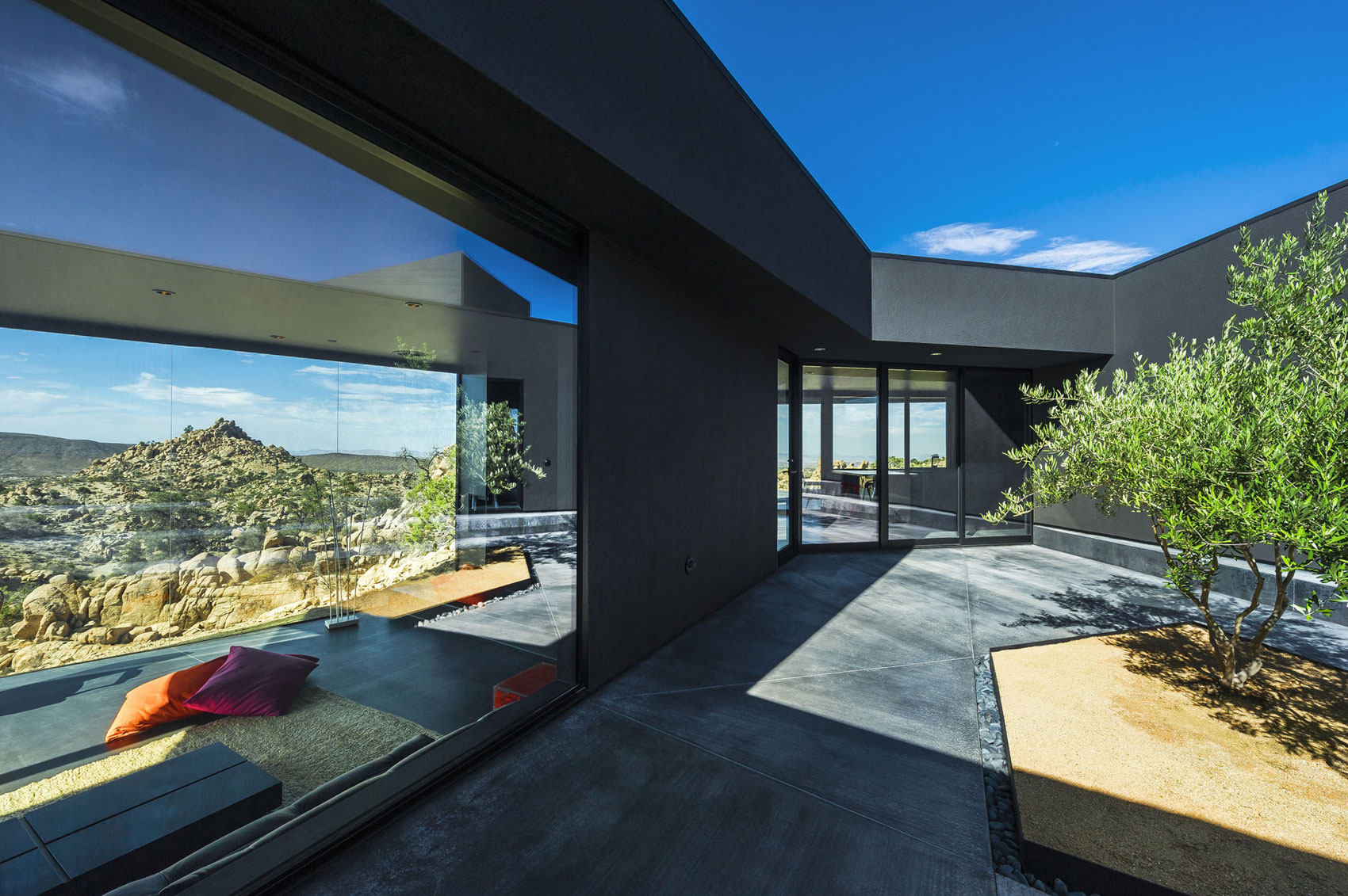 Yucca Valley House 3 / Oller Pejic Architecture (12)