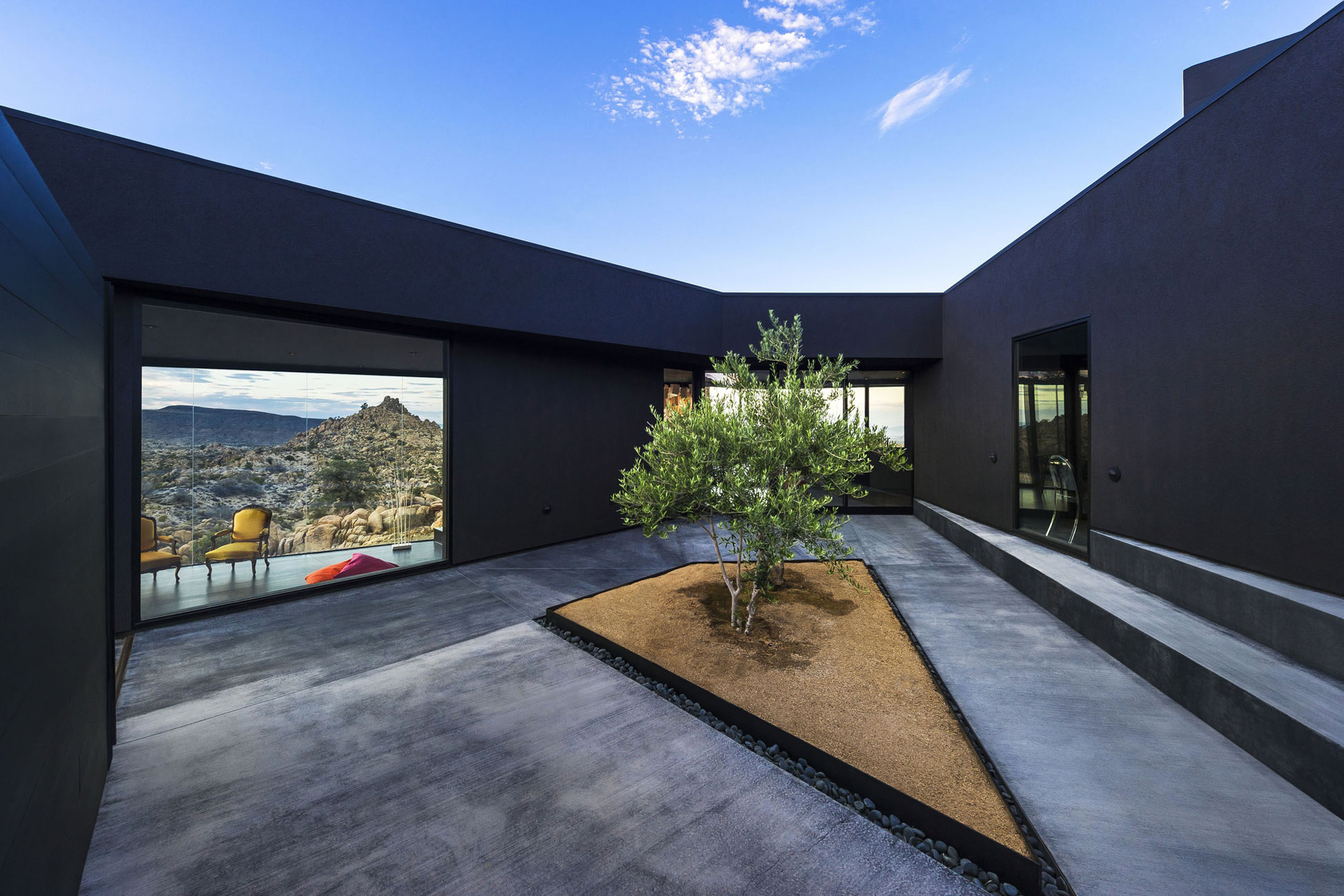 Yucca Valley House 3 / Oller Pejic Architecture (11)