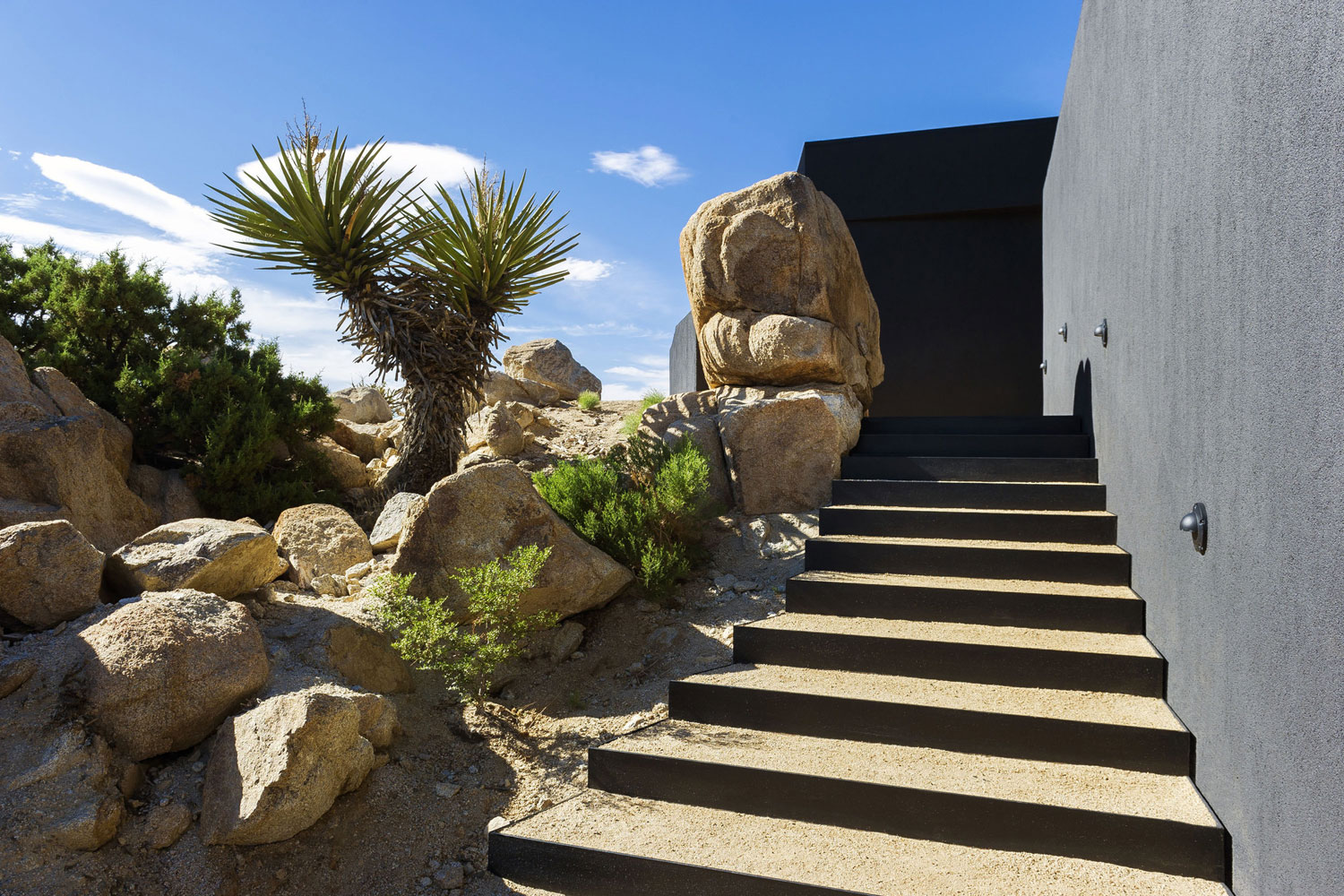 Yucca Valley House 3 / Oller Pejic Architecture (10)