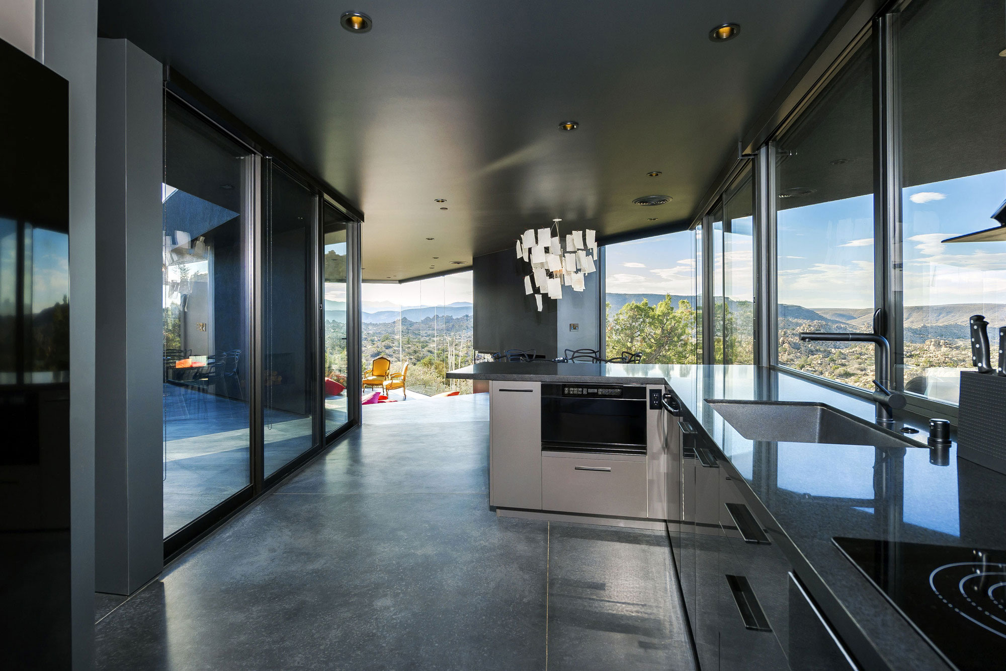 Yucca Valley House 3 / Oller Pejic Architecture (5)