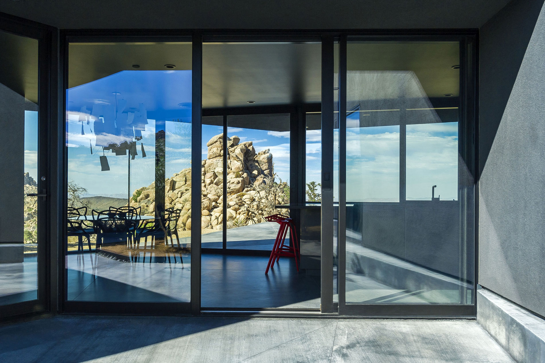 Yucca Valley House 3 / Oller Pejic Architecture (4)