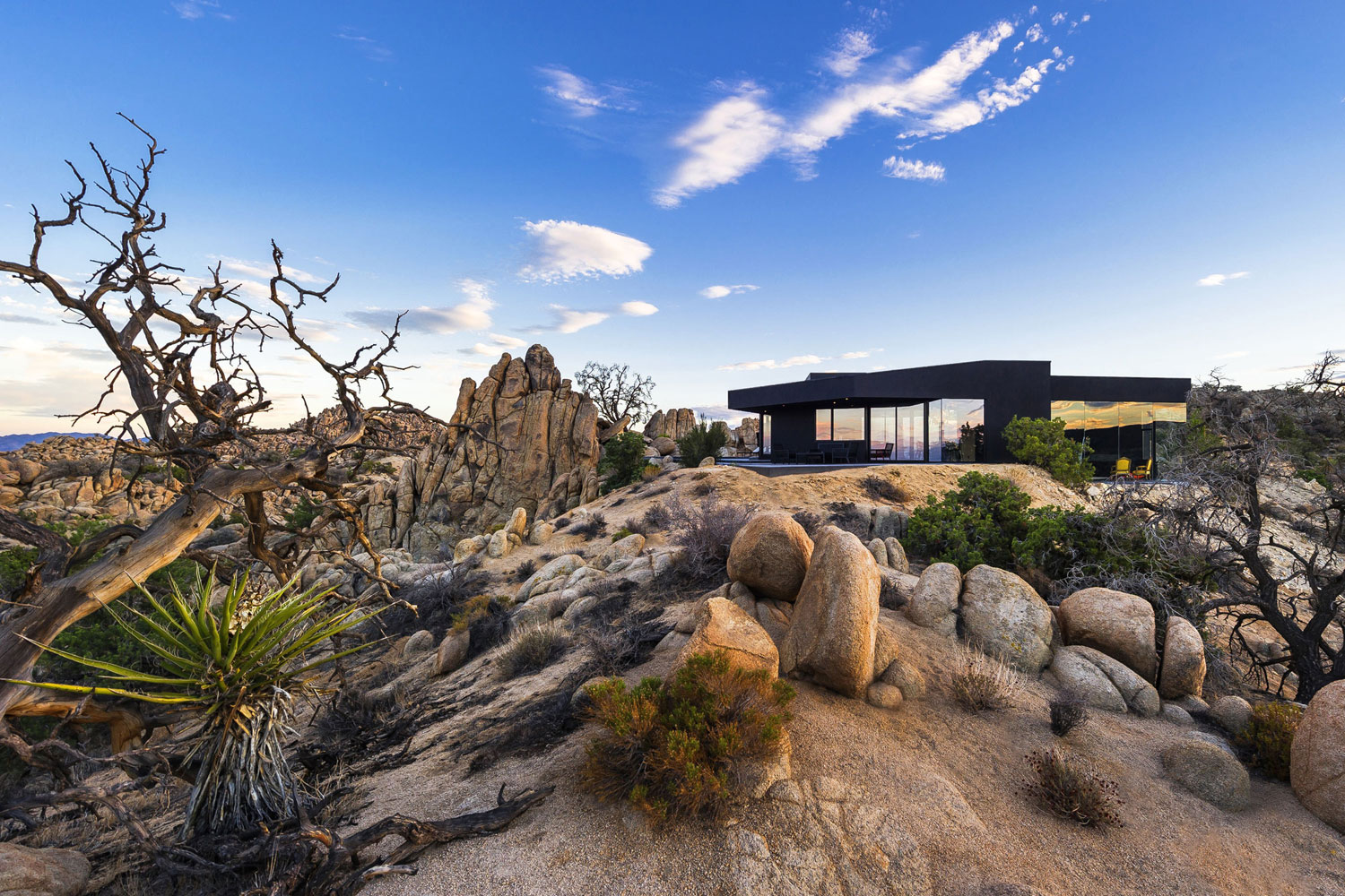 Yucca Valley House 3 / Oller Pejic Architecture (25)