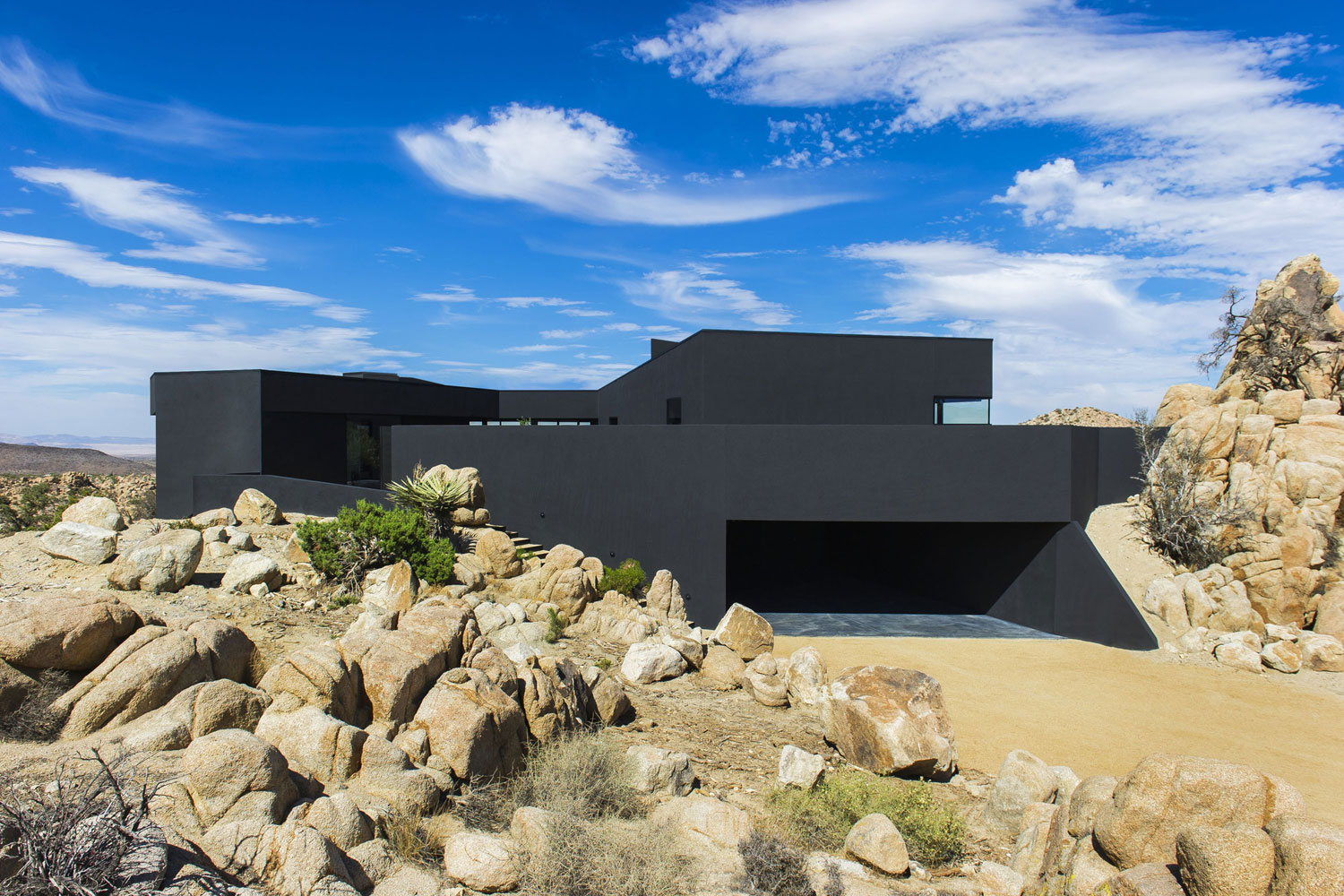Yucca Valley House 3 / Oller Pejic Architecture (23)