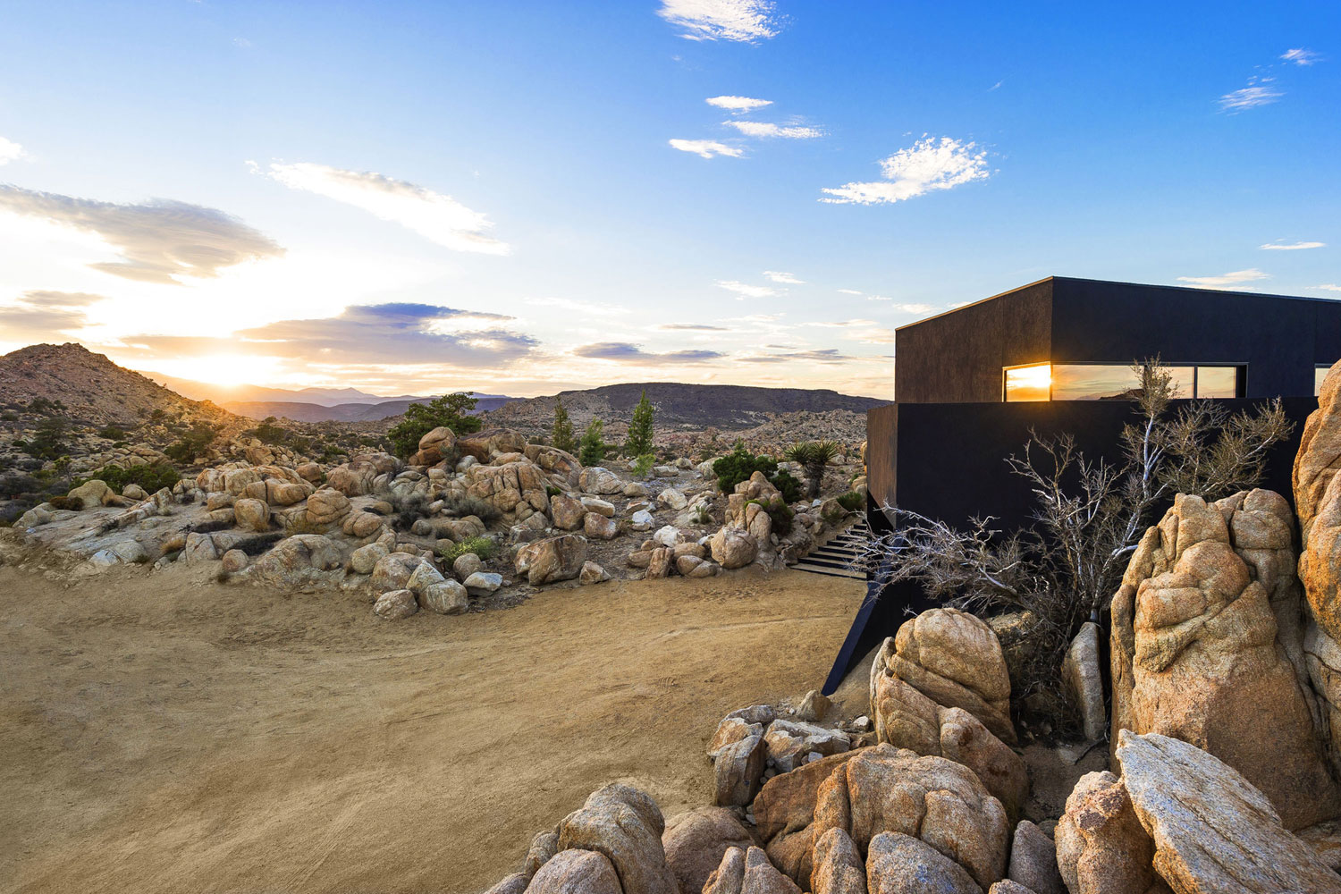 Yucca Valley House 3 / Oller Pejic Architecture (22)