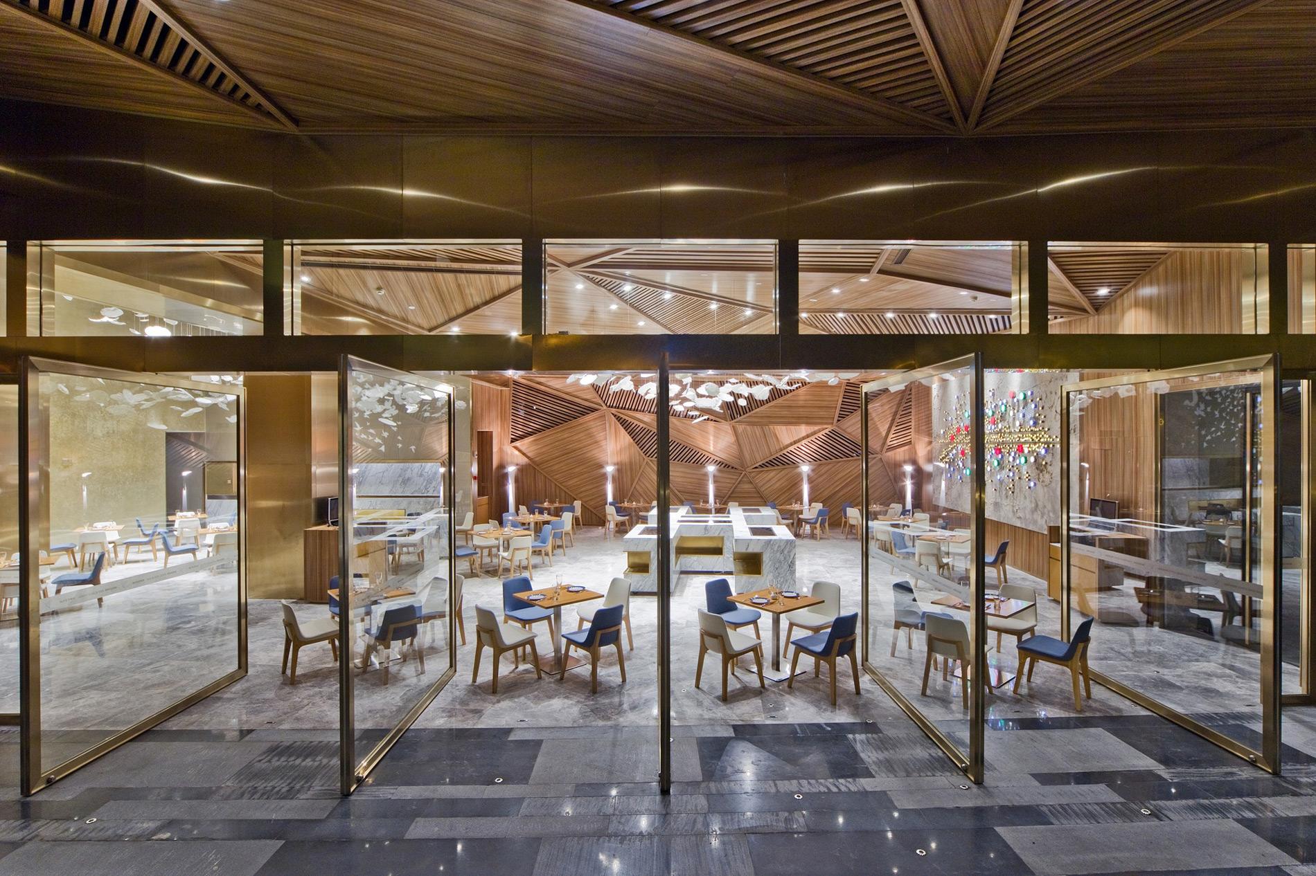 Yue Restaurant / Panorama (2)