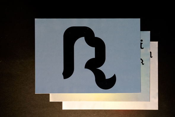 Akatre Typographie