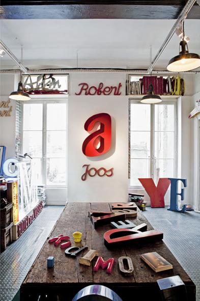 design d'espace, typographie, lettres déco, récupération, intérieur, lettres enseigne