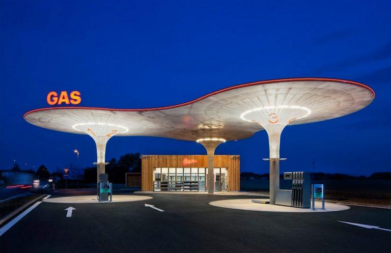 Slovakia Gas Station / Atelier SAD