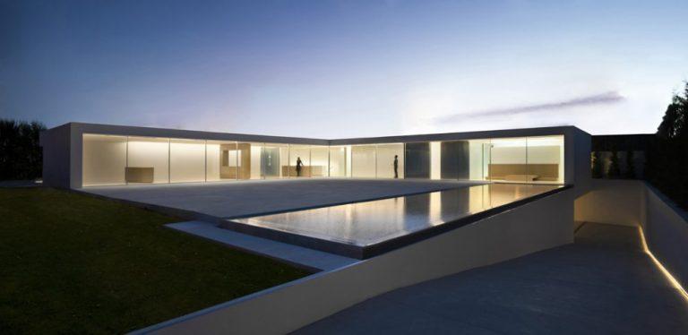 Atrium house / Fran Silvestre Arquitectos
