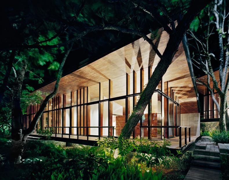casa_en_el-bosque-7