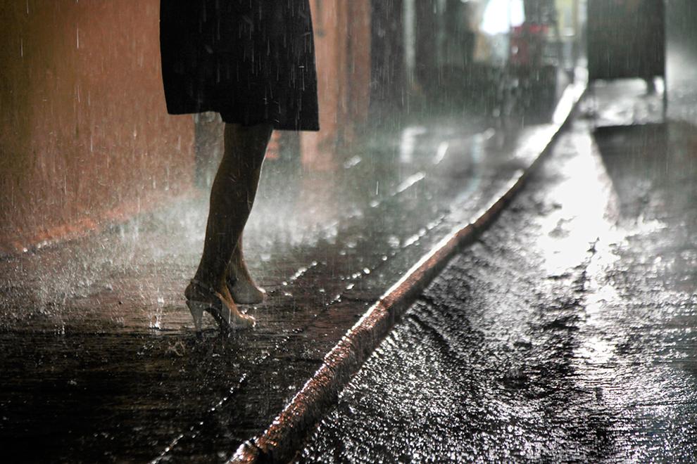 hong_kong_in_the_rain__christophe_jacrot_17.jpg