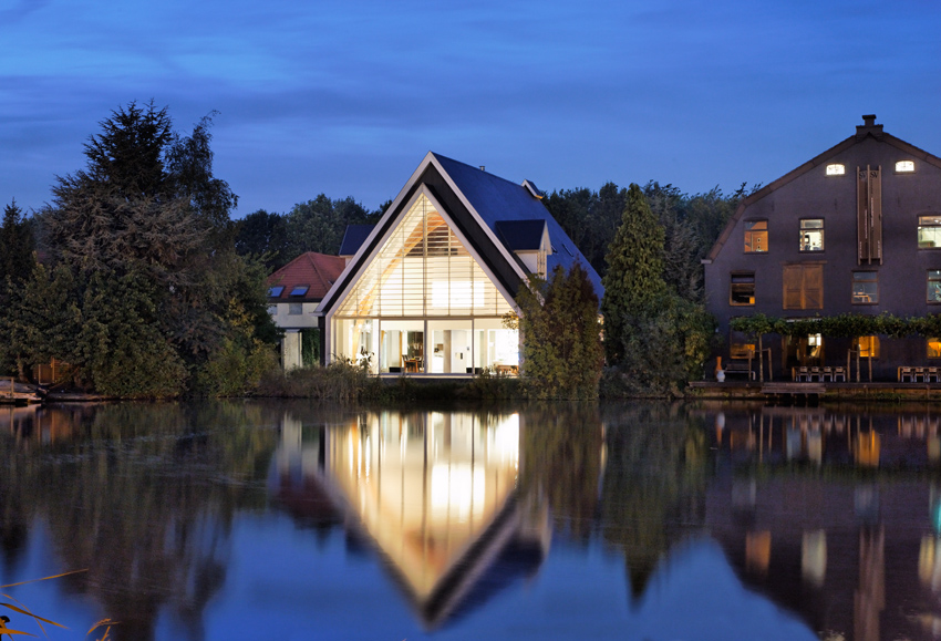 house_in_a_church_by_ruud_visser_architects_3