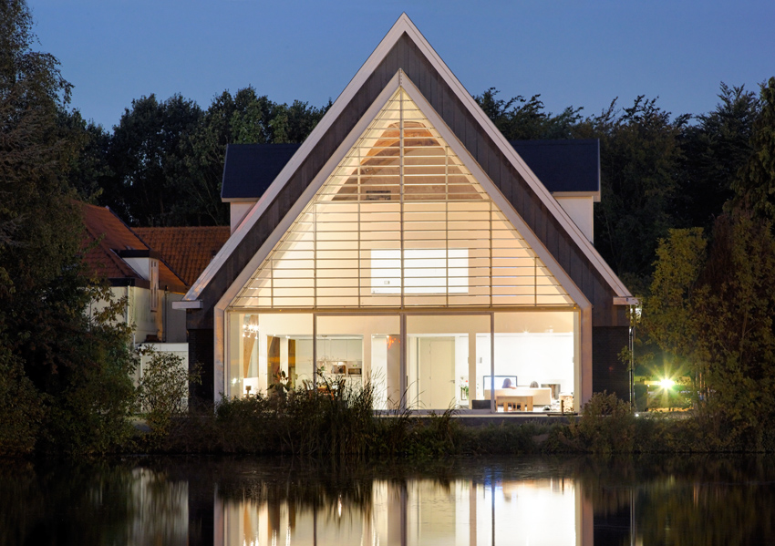 house_in_a_church_by_ruud_visser_architects_4