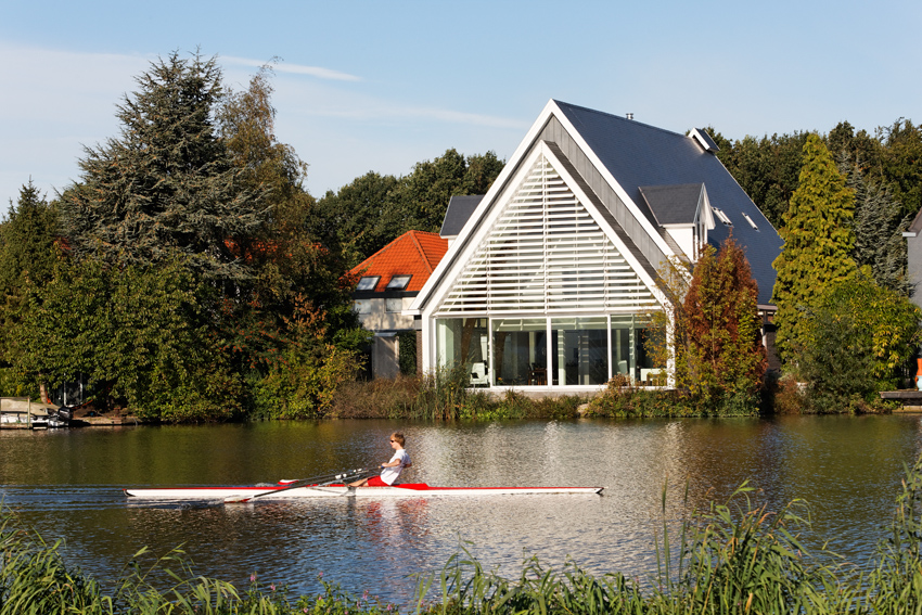 house_in_a_church_by_ruud_visser_architects_6