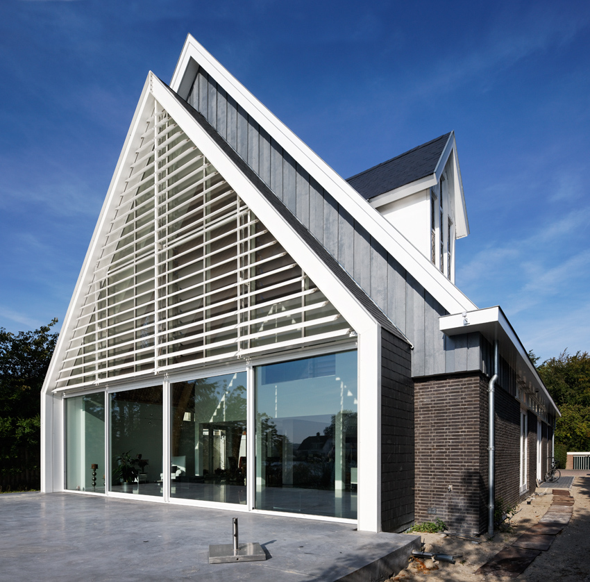 house_in_a_church_by_ruud_visser_architects_9