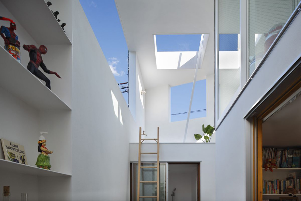 inside_out_house_04