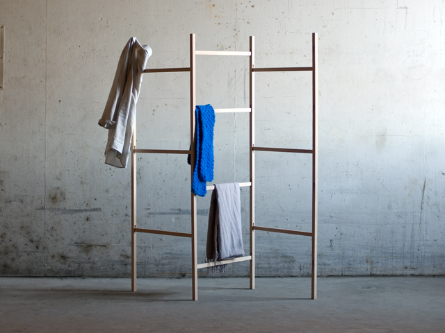 Knock Down Cloth Rack / Jakob Jørgensen