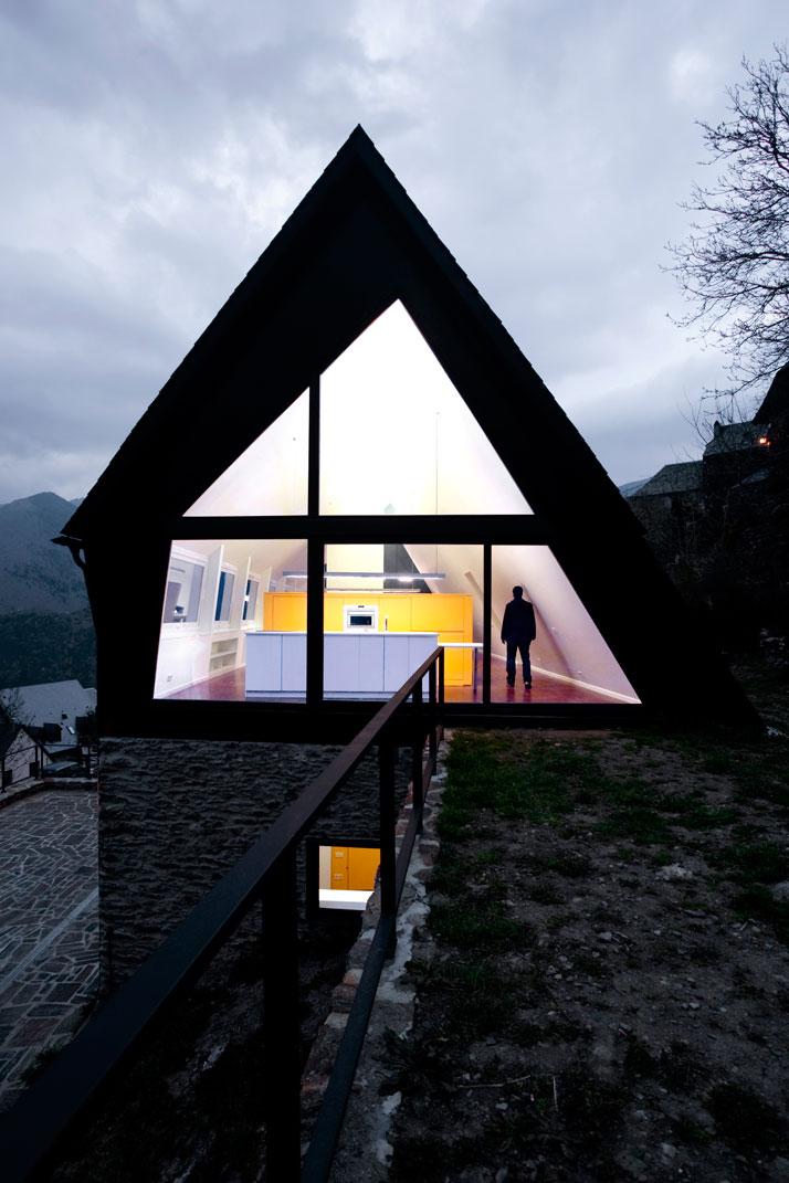 Maison dans les Pyrénées / Cadaval & Solà-Morales