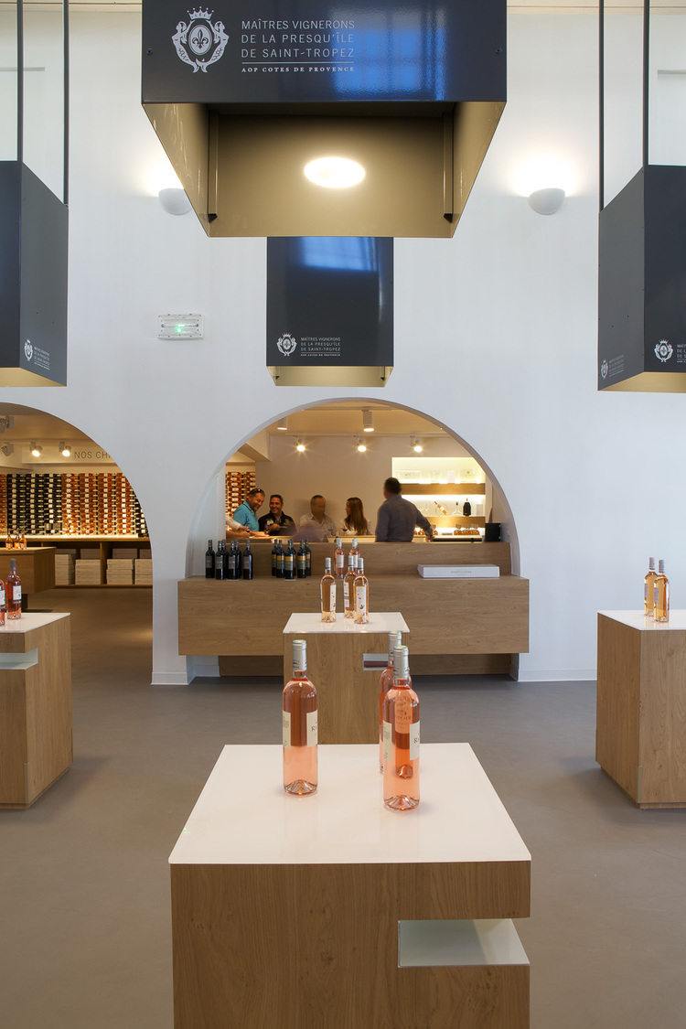 Maitres Vignerons - Saint Tropez / Vincent Coste Architecture (6)