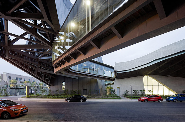 morphosis-giant-interactive-group-corporate-5