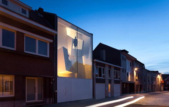 narrow_house_02