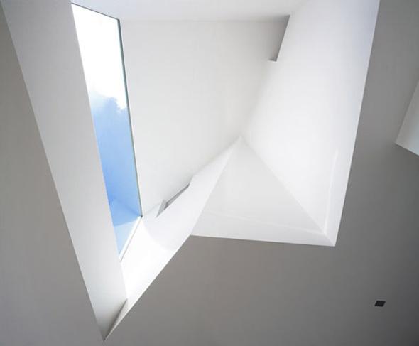 narrow_house_08