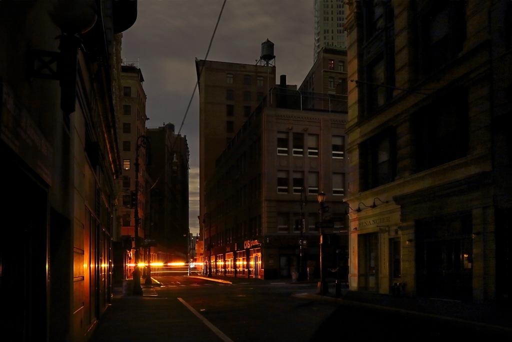 new_york_in_black_christophe_jacrot_10.jpg